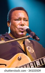 BUDAPEST-JULY 22: George Benson in concert at Sportarena  Budapest July 22, 2009 in Budapest, Hungary