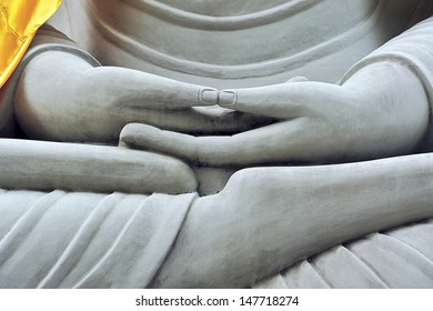 The Buddha are sit cross-legged.