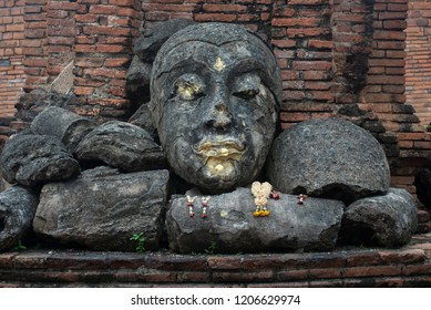 The Buddha Statue was burned in the temple at Wat Worachet, Ayutthaya, Thaialnd. Wat Worachet is a temple with the history of the Ayutthaya period.
