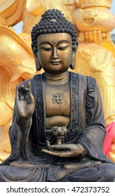 buddha statue is culture Chinese in Thailand