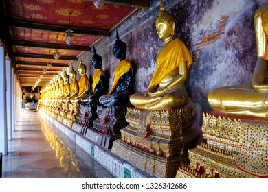 Buddha statue in Suthat Thepwararam temple