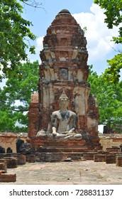 Buddha statue at Wat Mahathat in Ayutthaya, Thailand