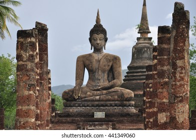Buddha statues at Wat Mahathat ancient capital of Sukhothai, Thailand. Sukhothai Historical Park is the UNESCO world heritage