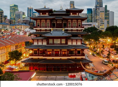 The Buddha Tooth Relic Temple in Singapore's Chinatown at sunset