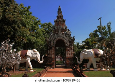 Buddhism temple in Chiangmai (Thailand).
