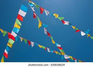 buddhist prayer flags circle of life