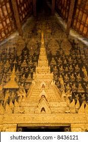 buddist temple gold decorations