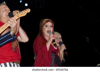 BUENOS AIRES, ARGENTINA - APRIL 4: The B52's perform onstage at Luna Park Stadium April 4, 2009 in Buenos Aires, Argentina. Singer Kate Pierson