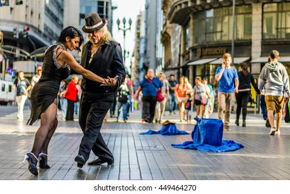 BUENOS AIRES, ARGENTINA - MARCH 11, 2016: Unidentified tango dancers at Florida street