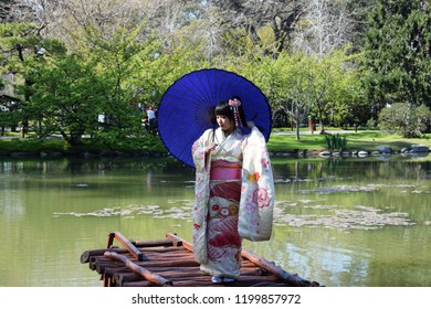Buenos-aires, Argentina; 2018; In the Japanese garden ( Jardin Japones). A young Japanese girl, passing in traditional dress