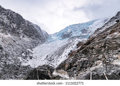Buerbreen glacier Norway Odda hiking ice