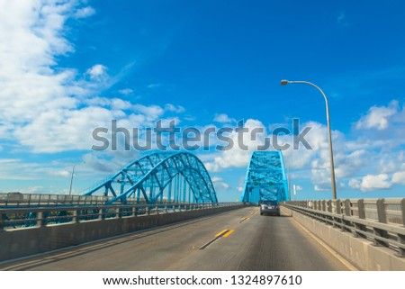 BUFFALO/ NEW YORK, USA - OCTOBER 20 2013: Autoroute payante .  Blue bridge Tonawanda near Niagara falls