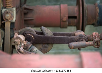 Buffers and chain coupler on old train