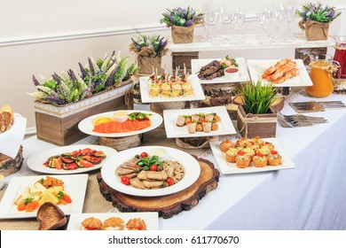 Buffet catering.