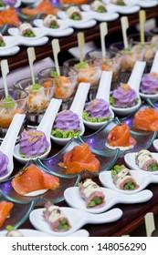 buffet line thai wedding