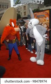 BUGS BUNNY & YOSEMITE SAM at the world premiere, in Hollywood, of their new movie Looney Tunes Back in Action. November 9, 2003  Paul Smith / Featureflash