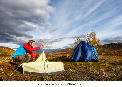 build up a tent in the wilderness of Sweden