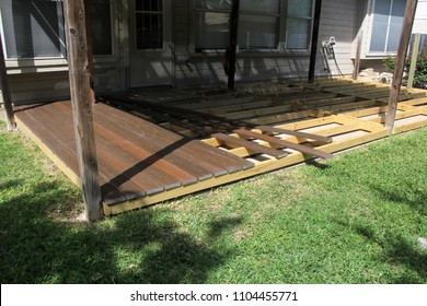 building a backyard deck with composite deck boards
