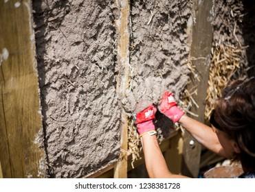 Building a Cob Wall Straw Bales