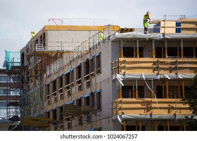 Building construction. Roof worker