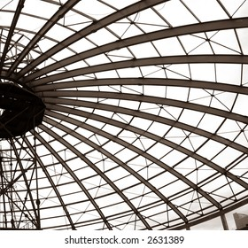 building of dome of circus from metallic constructions
