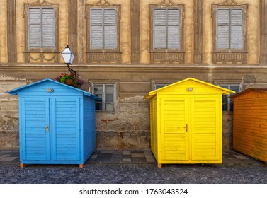 Façade et petites maisons en bois dans la vieille ville de Varazdin, Croatie