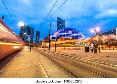 The building has a distinctive arched roof with a 64-metre span - the second-largest railway station roof span in the United Kingdom, Manchester.