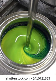 Building mixer for mixing paint in can