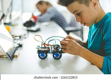 Building robotic car for school assignment