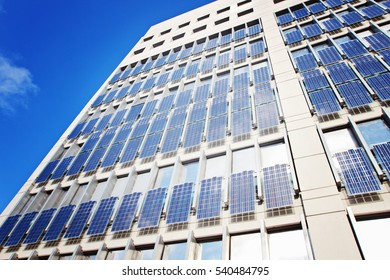 Building with solar panel