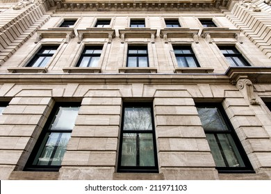 Building windows of Montreal