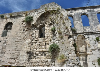 Buildings, architektura, a mixture of antique and old buildings in which people still live, within the Diocletian's palace in Split, Croatia.  - Shutterstock ID 1123667747