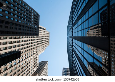 The buildings of Chicago under the blue sky