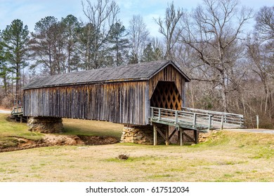 Built in 1892, the Auchumpkee Creek Covered Bridge is also known as Zorn's Mill and Hootenville Bridge.