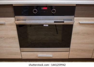 Built in ovens in furniture,Built in oven in the kitchen in the furniture,Luxury built-in electric oven in the kitchen