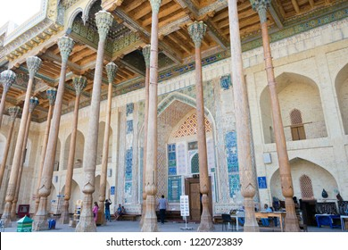 Bukhara, Uzbekistan - Sep 02 2018: Bolo Hauz Mosque in Bukhara, Uzbekistan. Bukhara old town is Unesco World Heritage Site.