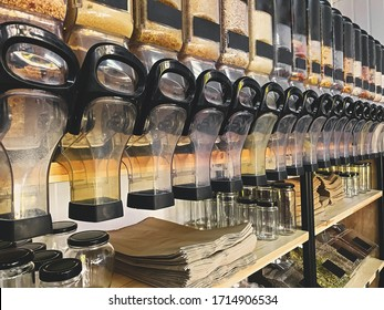 Bulk store, zero waste shopping. Refillable food dispensers with pasta,grains,rice and other variety of groceries. Support Local small business. Plastic free shop