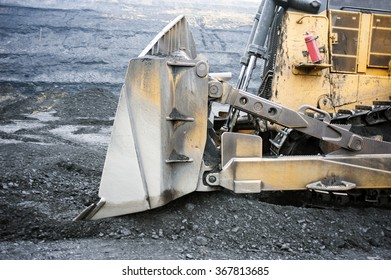 Bulldozer, to move, to push, to dig, knife, shovel, tractor, Mining, shipping, enterprise, ledges, rock, rocks, dump,