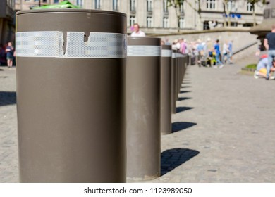 bumper bollard at public square to protect citizens from terrorist attack