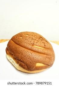 a bun on the table