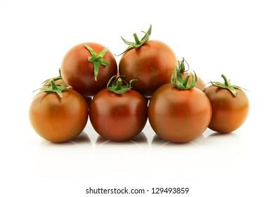 a bunch of cherry tomato kumato