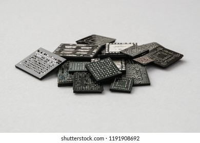 Bunch of old uses isolated microcircuits