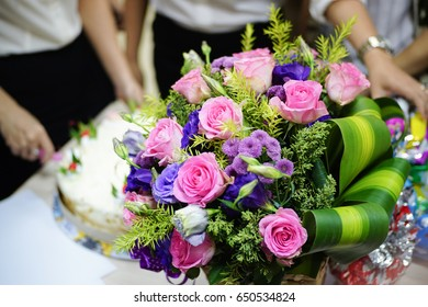 A bunch of roses - Birthday Flowers