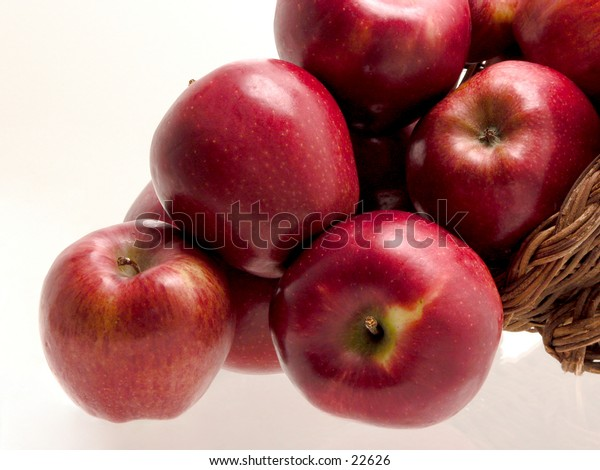 Bundle of Red Delicious apples.