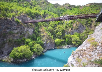 Bungee Jumping South Images, Stock Photos & Vectors