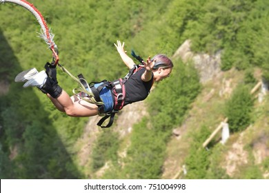Bungee jumps, extreme and fun sport.