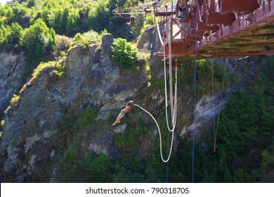 Bungy from the Kawarau Bridge, the home of Bungy Jumping. Leap 43m from the historic Bridge. Near Queenstown in the Ogo region on the south island of New Zealand