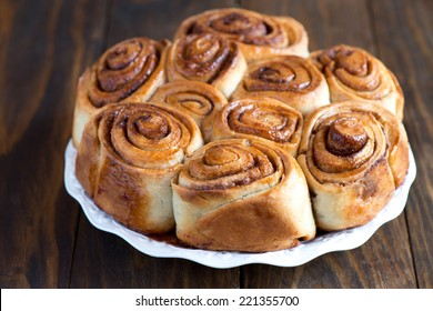 Buns with cinnamon