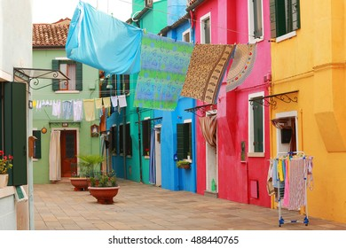 Burano island in Venice and its colorful houses
