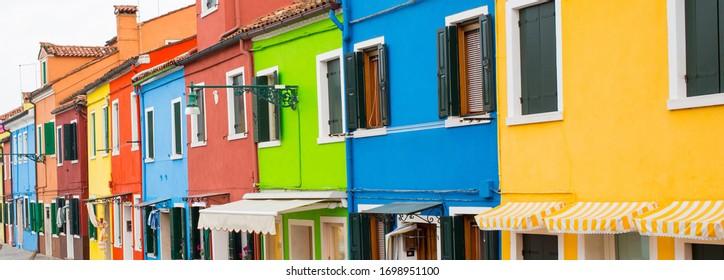 Burano Island, Venedig, Italien - bunte Häuser Banner-Panorama